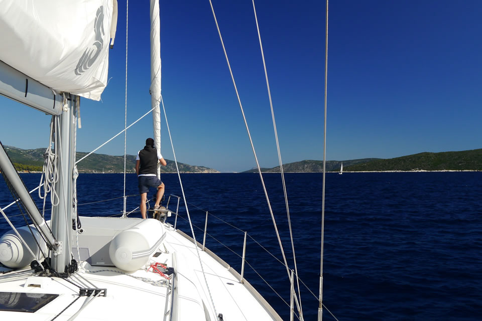 yacht charter sailing holiday destinations greece 5